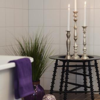 vitt badrum orientaliskt ljusstakar